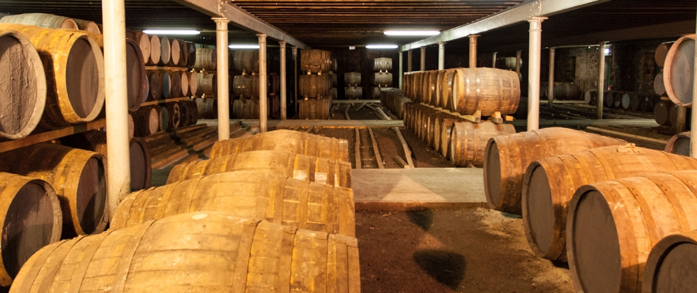 scotch-whisky-in-barrels-1202972