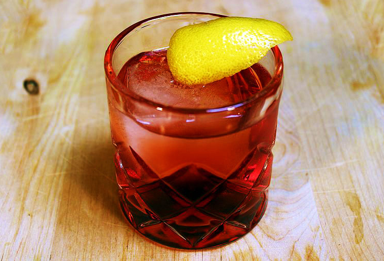 Negroni_on_the_Rocks_cropped
